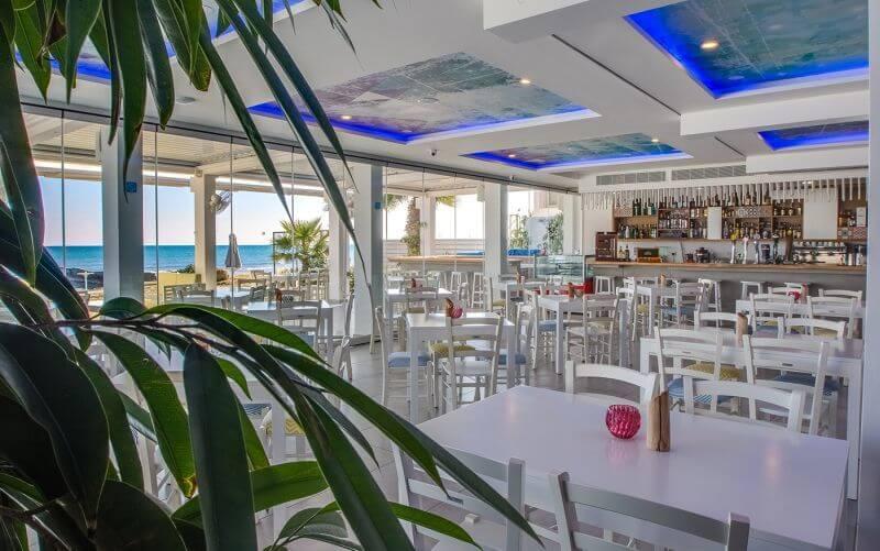 Εστιατόρια με θέα θάλασσα στη Λάρνακα