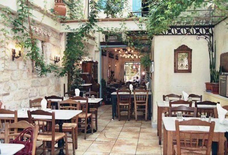 φαγητό στο Μοναστηράκι